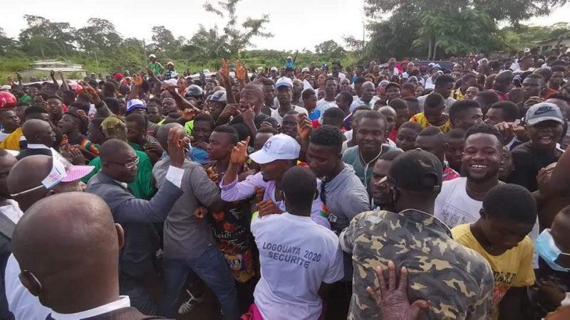 Visite de Gbagbo à Mama: des individus agressent un journaliste.