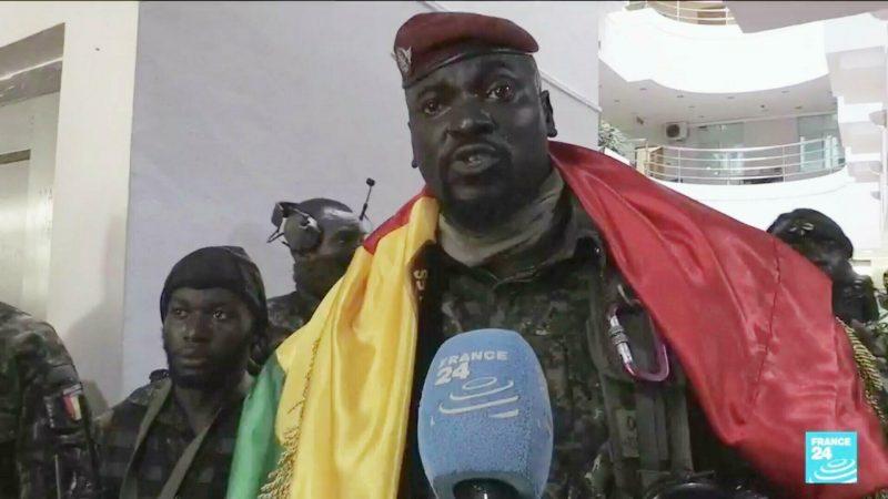 Guinée: Le Colonel Doumbouya arrache les passeports et véhicules des anciens Ministres